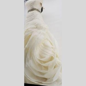 NWT! Vera Wang WHITE brand Wedding Dress